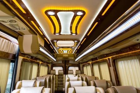 Заказать микроавтобус премиум класса Днепропетровск. Перевозка VIP пассажиров